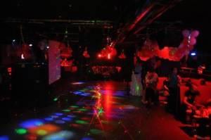 Gazinolarda Turistik Night Clublerde Calisacak Bayan Garsonl-1435411076-701-e
